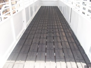 Cleated Rubber Floor